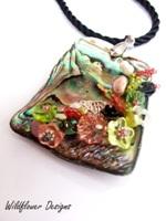 Embellished Paua Pendant Peach and Peridot