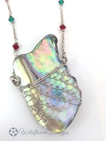 Laced Paua Pendant - Greens/Pinks