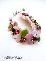 Embellished Mussel Bracelet in Reds and Greens