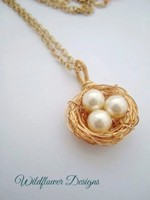 Creamy Pearl Gold Nest Necklace