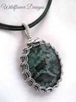 Green Encircled Necklace